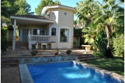 IN15913, Charming house with lush gardens and pool in Santa Ponsa